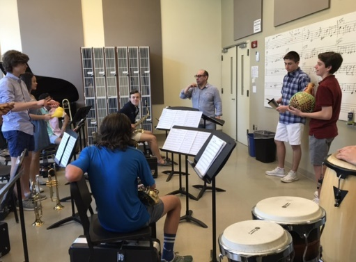Jazz Artist Visits SM, Talks with Student Musicians