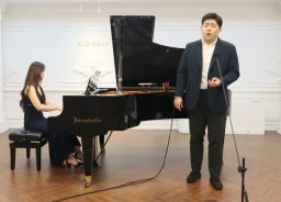 Junseok Hwang '19:  2nd in International Vocal Competition